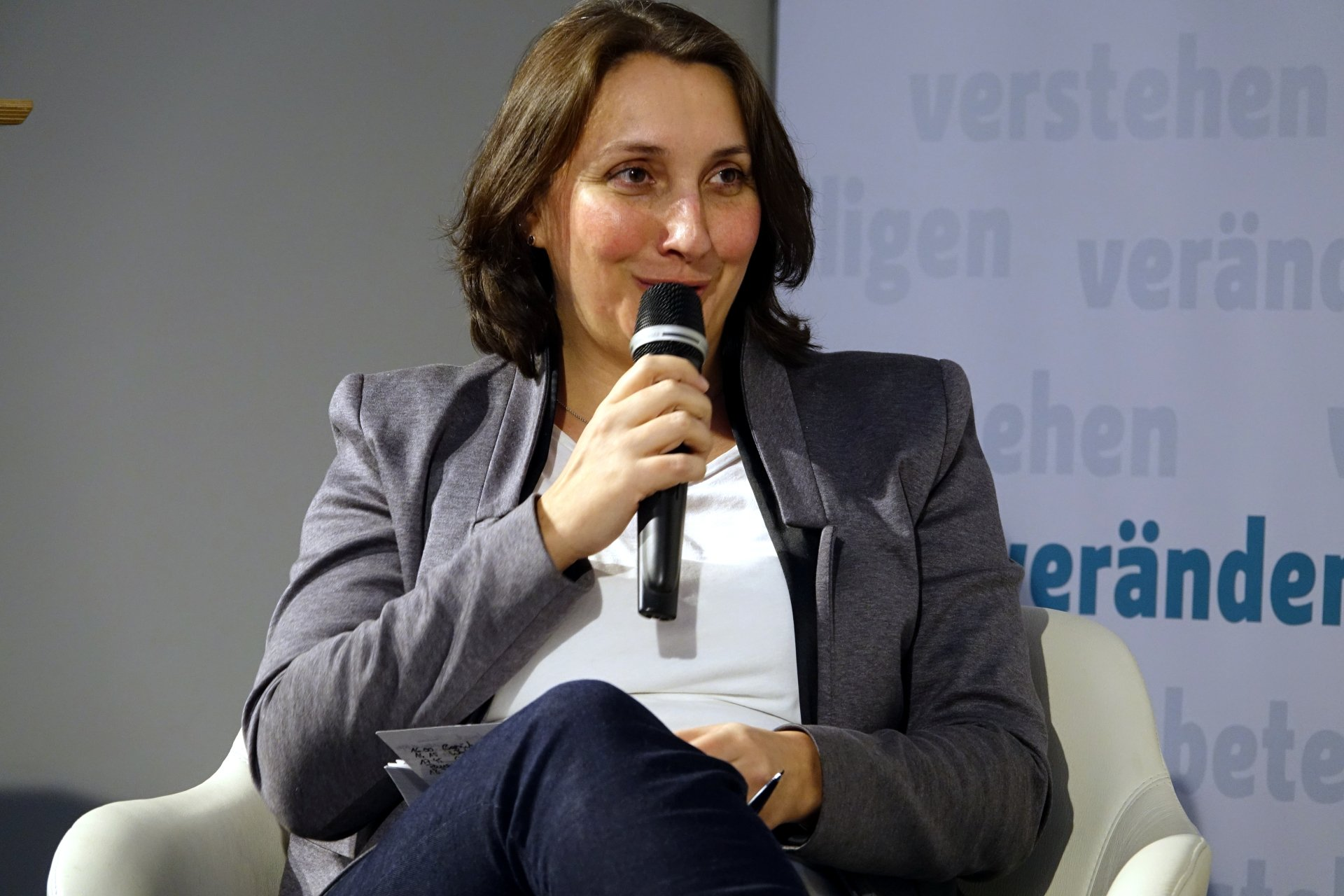 Wer repräsentiert wen? Partizipation gestalten. Die Zukunft der Integrationsbeiräte in Berlin.